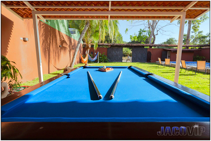 Open air pool table