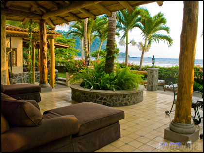 Jaco vip sea breeze villa encantada beach front vacation for Costa rica house rental with chef